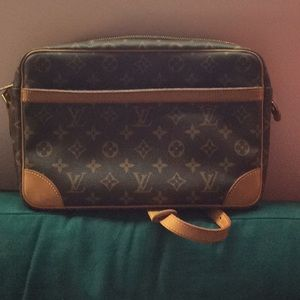 Authentic Louis Vuitton Trocadero 30